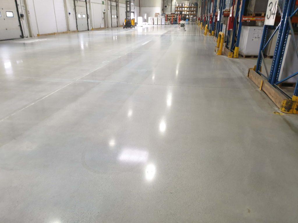 Renowacja posadzki betonowej a efektywność pracy 1